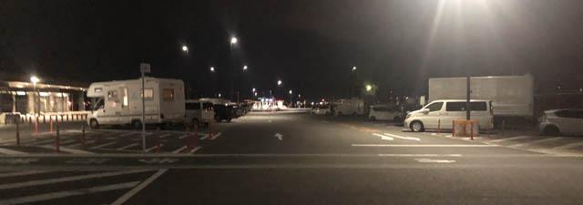 夜の道の駅富士川駐車場