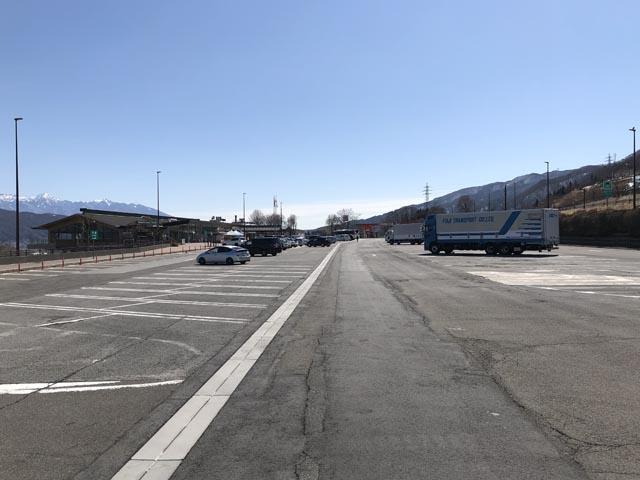 諏訪湖SA上りの駐車場