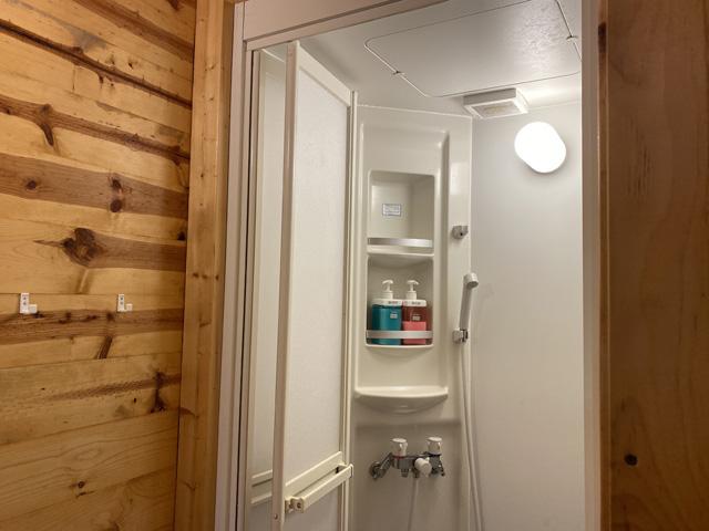 シャワーボックス